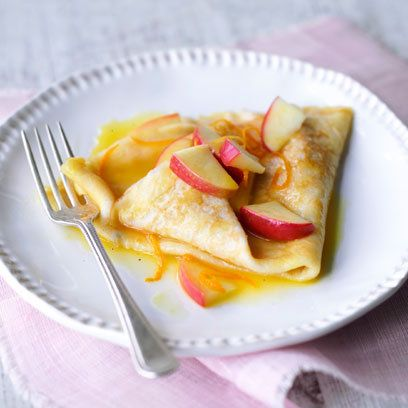 French crepes with apples