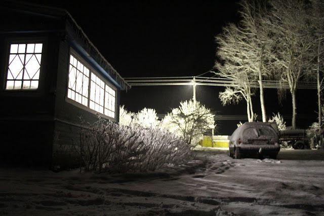 Жизнь горожанки в деревне: (0)  Вечер...снег...