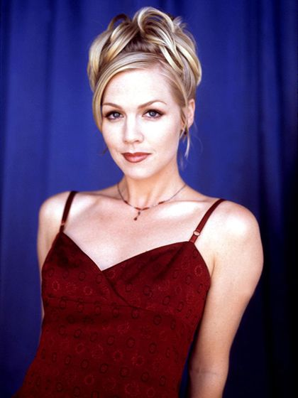 #TBT Beauty Looks from Beverly Hills 90210 - Most Likely to Work That Updo: Jennie Garth as Kelly Taylor