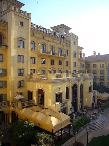 Palazzo Hotel next to Monte Casino in Johannesburg by Nele en Jan, via Flickr