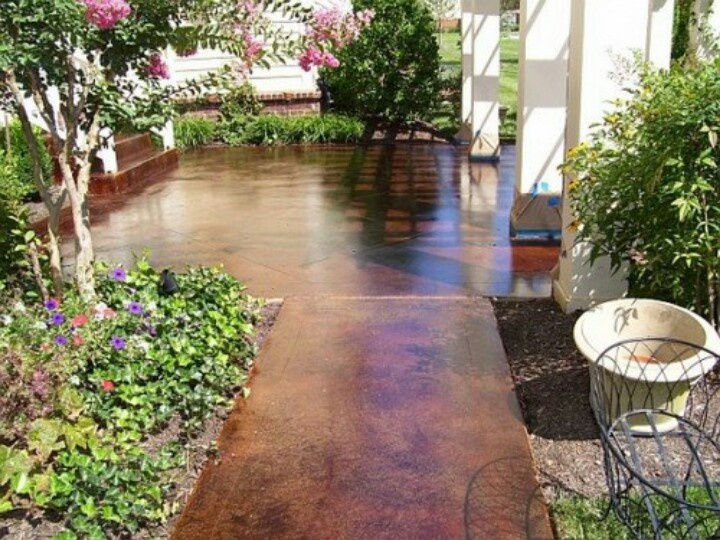 Concrete Compounds Courtyards : Acid stained concrete courtyard feel with plant surrounds
