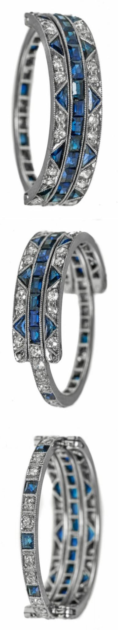 ART DECO PLATINUM SAPPHIRE AND DIAMOND RING An early Art deco platinum sapphire and diamond hinged flip ring.