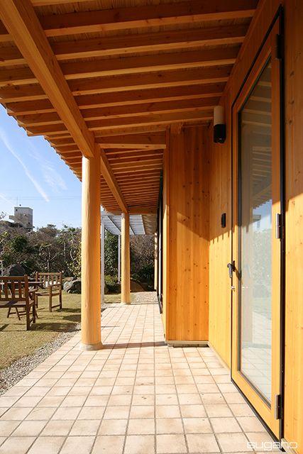 最小限のリフォームで日本建築らしさを取り入れる。 既存の屋根の下に軒の深い庇を設けました。 #和風住宅 #リフォーム #改修 #家づくり #住宅リフォーム #深い軒 #和風にリフォーム #設計事務所 #菅野企画設計