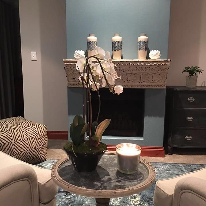 Our stunning Tin Shelf featured here in a home decorated by Ahava Raba Interior  #homedecor #marielleetcie #ahavarabainteriors #mantlepiece http://ift.tt/2s0Puyy