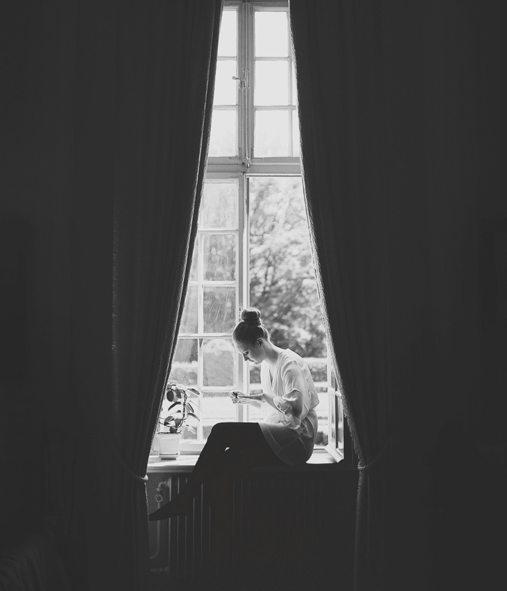 Sweden Wedding Photography // Bride Preparations