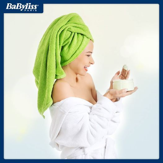 #HairTips Per una maschera nutriente mescola olio d'oliva, olio di mandorle dolci e la polpa di una banana, poi lascia in posa 10 minuti e risciacqua! #maschera #capelli #hair #tips #consigli #faidate #benessere #beauty #bellezza