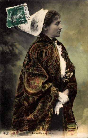 Morlaix haut Léon, Finistère, Costumes Bretons, Toilette de Mariee, la coiffe a cornette |