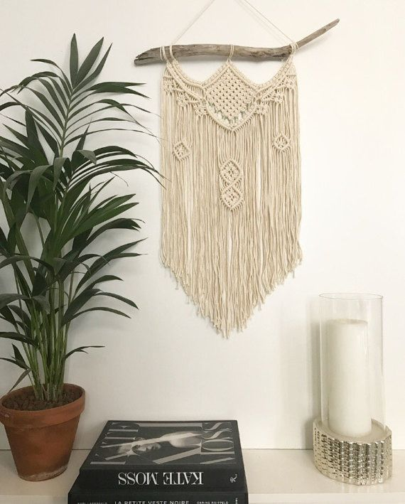 Macrame Wall Hanging - Tenture murale - suspension en macramé - décoration bohème : Décorations murales par thewildworld