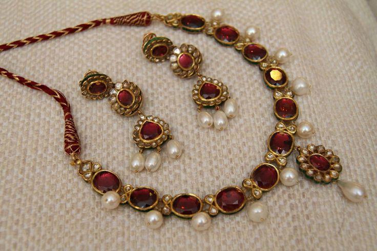 ..wow.. rubies.. and antique