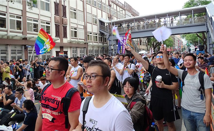 Utopia was at the rally today in downtown Taipei when Taiwan's Constitutional Court decided in favor of same-sex marriage! More on LGBT Taiwan at http://www.utopia-asia.com/tipstaiw.htm
