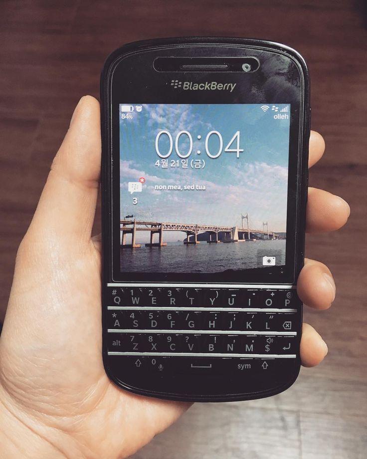 "#inst10 #ReGram @inkyung_mary: #블랙베리 #큐텐 #blackberry #Q10 #블랙베리q10 #예쁜쓰레기 #예뻐서그램 블베병은 사야 낫는다더니 명불허전 ㅇㅇㄱ 하나는 사서 팔고 하나는 사서 고장내고 벼르고 벼르다가 결국 하나 더 삼 ...... #BlackBerryClubs #BlackBerryPhotos #BBer ....... #OldBlackBerry #NewBlackBerry ....... #BlackBerryMobile #BBMobile #BBMobileUS #BBMibleCA ....... #RIM #QWERTY #Keyboard .......  70% Off More BlackBerry: "" http://ift.tt/2otBzeO ""  .......  #Hashtag "" #BlackBerryClubs "" ......."