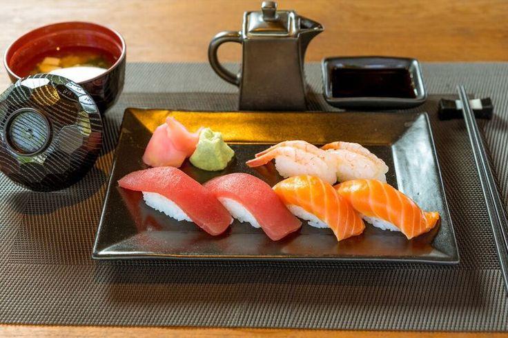 Making sushi is an art, and experience is everything...! #sushibars #sushidiningphuket #welovesushi #freshsushi