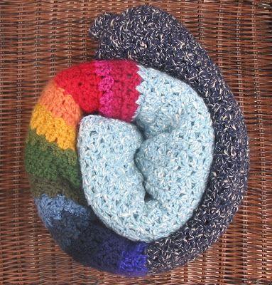 KÖR-KÖTŐ-KÖR - crochet ranbow blanket