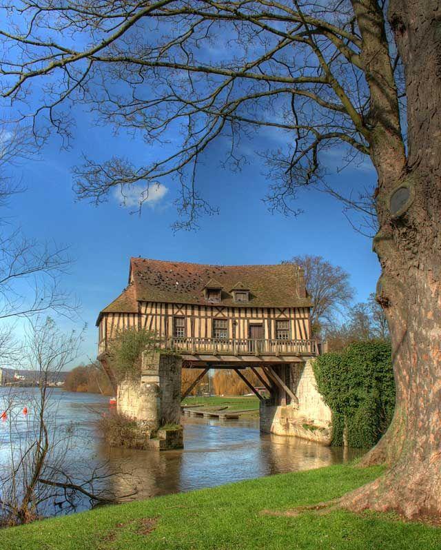 house on an old bridge