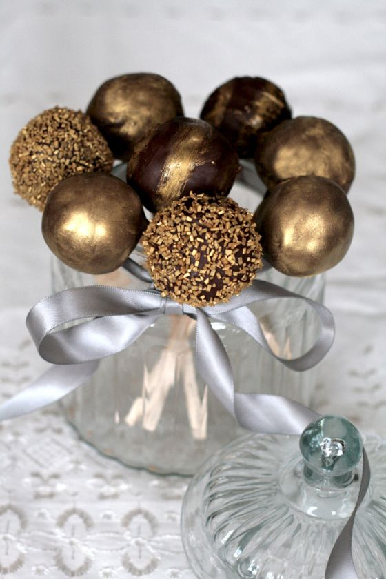 Chocolate gold cake pops