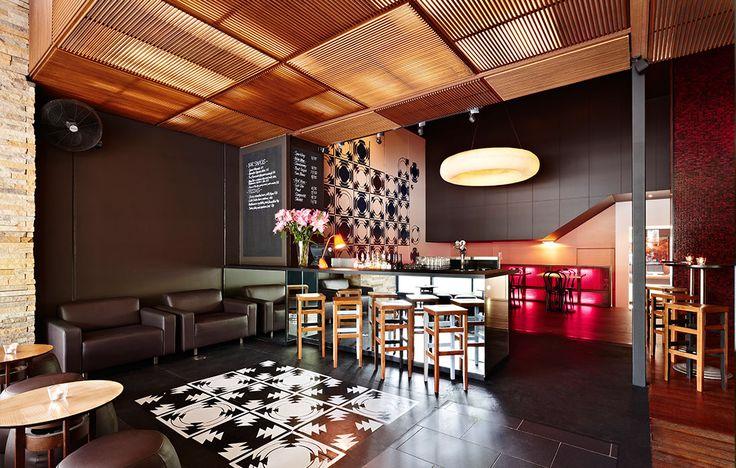 Mavis Brown's bar at Rydges St. Kilda.