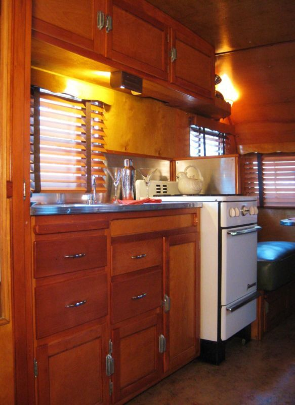 Airstream Travel Trailers >> 1952 Boles Aero Mira Mar vintage travel trailer | Mars ...