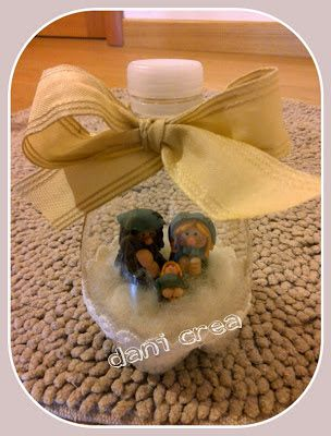 Il filo di mais di Chiara Gloria e Daniela: Riciclo bottiglie di plastica: Palline per l'albero decorate