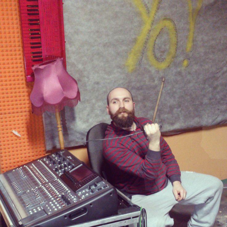 Maestro Stepa z batutą w ręce w salkowych klimatach :)  #lulymusic #malina #fun #like #share #muzyczny #aranżowanie