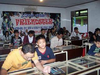 English Course & Computer Course: LOMBA DESAIN FRIENDSTER