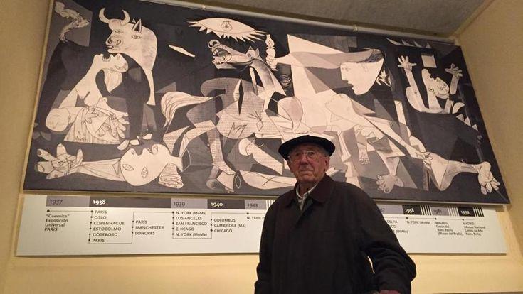 """Luis+Iriondo+14+éves+volt+azon+az+1937.+áprilisi+napon,+amikor+a+német+és+az+olasz+bombázók+pusztulást+hoztak+a+spanyol+baszkföldi+Guernica+városára.+Ő+az+utolsó+túlélő. Az+idős+férfi+a+La+Stampának+idézte+fel+a+rettenetes+múltat. """"Szép+nap+volt,+az+ég+világos+volt,+a…"""