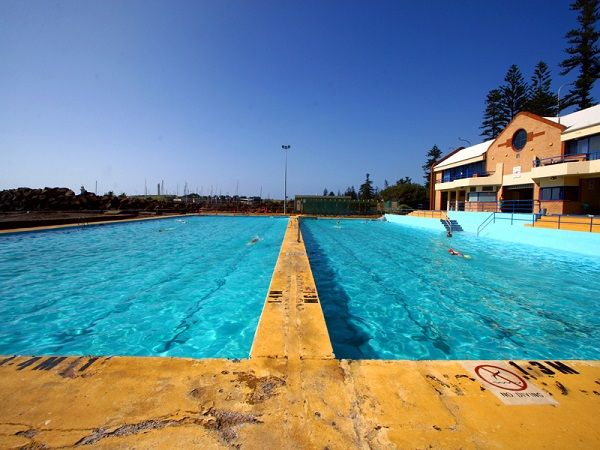 Be refreshed after a few laps in this aqua coloured water @continentalpool