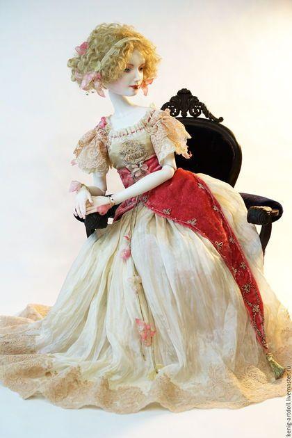 Костюм из натурального шелка и бархата, декор - старинные вышивки канителью