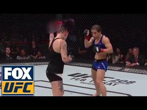 MMA Bec Rawlings flips crowd off during her fight with Tecia Torres | UFC FIGHT NIGHT