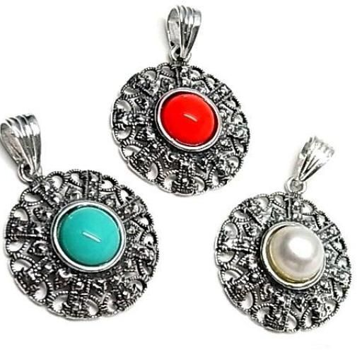 Colgante de plata con perla color
