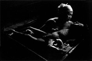 W. Eugene Smith photo of mother with child suffering from severeMinamata Disease (methylmercury poisoning) on Public Health & Social Justice Website - The Social Medicine Portal--link to open access power point.