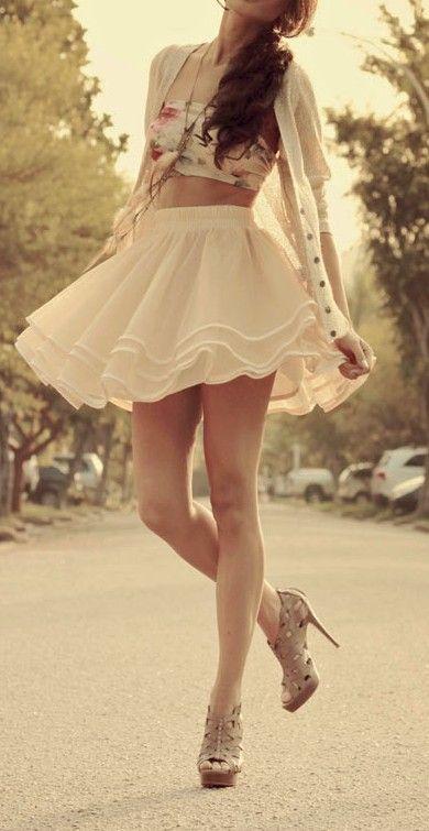 Floral bandeau & tutu skirt http://pinterest.com/zeugma/boards/