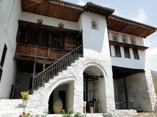 Kruja Albania-41.JPG  Etnografisk museum - sjekk videoen