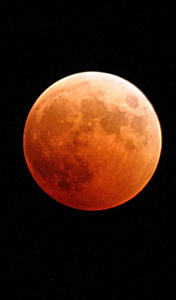 Lunar eclipse moon blood orange red cosmos space 2100x1500 wallpaper, 617x1050 iphone wallpaper #lunar #eclipse #moon #blood #orange #red #cosmos #space Lunar eclipse moon blood orange red cosmos space 2100x1500 wallpaper, 617x1050 iphone wallpaper <a class=