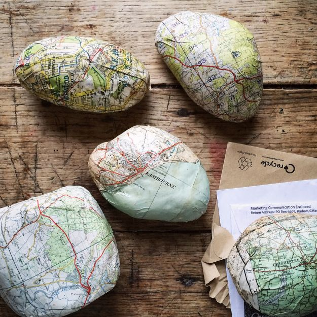paperweights and doorstops…  I always have loads of vintage map scraps, as I make lampshades ( some will be coming soon to my etsy shop again )  and I find it difficult to simply throw them away…