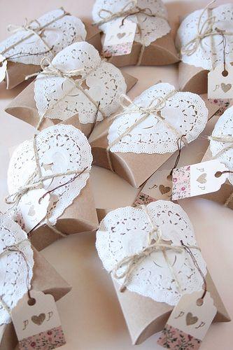 79 best Manualidades con pisitos de papel Doilye images on Pinterest