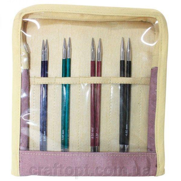 Набор съёмных спиц Knitpro Royale Midi Interchangeable Knitting Needle Set 29301 купить в Киеве. Доставка, гарантия, сервис! Набор съёмных спиц Knitpro Royale Midi Interchangeable Knitting Needle Set 29301 от 846.3 грн: фото, отзывы, описания. В набор входит 4 пары спиц и аксессуары (3 кабеля - 60см (неоново-зеленый), 80см (оранжевый) и 100см (красный), 6 торцевых заглушки, 3 ключа и набор коннекторов): 3.00 мм - фиолетовый бархат, 3.50 мм - аквамарин, 4.00 мм - фуксия, 4.50 мм - серый…
