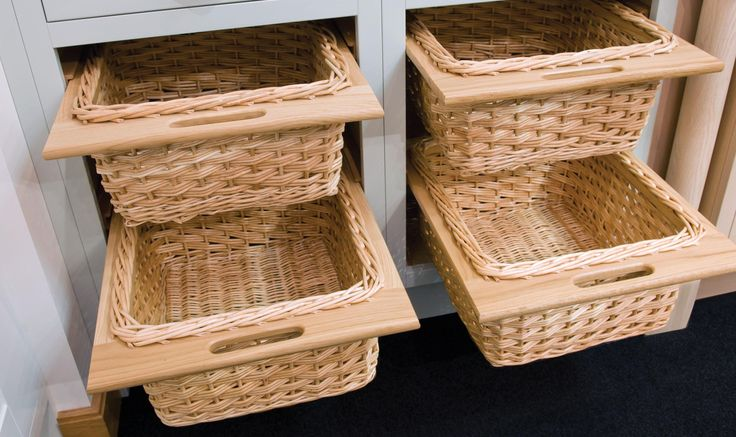 Practical wicker baskets to both decor and storage