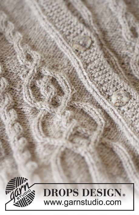 Gebreide DROPS trui met kabels en raglan, van boven naar beneden gebreid van Karisma. Maat S-XXL Gratis patronen van DROPS Design.