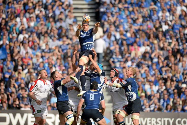 Jamie Heaslip releases the ball from the lineout.
