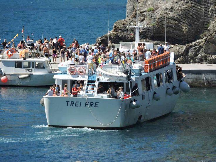 Cinque Terre Battelli. Come muoversi alle e tra i paesi delle 5 Terri con i traghetti. Info, orari e prezzi dei traghetti alle Cinque Terre.
