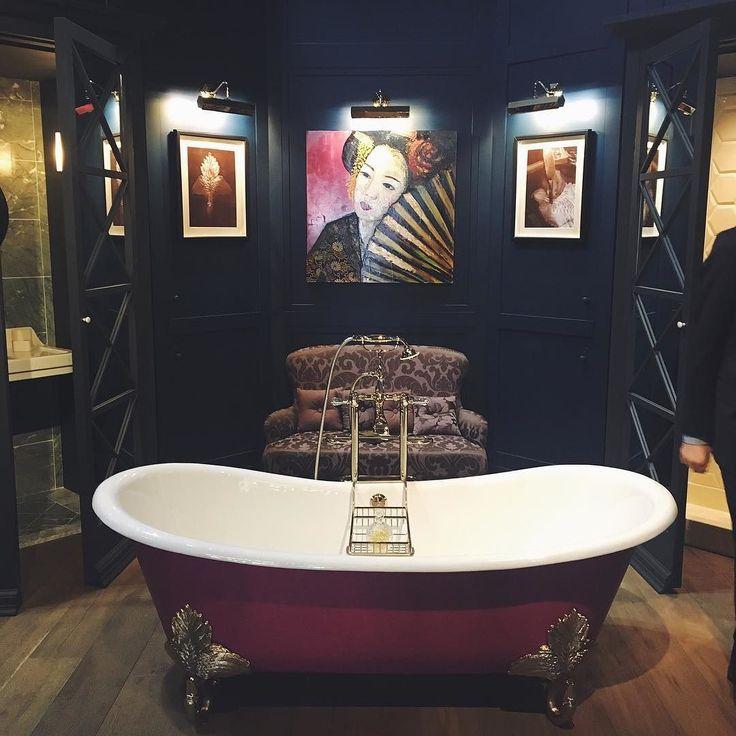Для взрослых тоже есть неплохая ванна - будуар ) а вот там открытая дверь - это не шкаф а душ. Отличная идея спрятать душ в шкаФ #isaloni #isaloni2016 #isalonimilano #isaloniworldwide #salonedelmobile #salonedelmobile2016 #salonedelmobilemilano #bathroom #bathroompic #bathroomselfie #art #artoftheday #artsandcrafts #design #cozy #cozytime #cozyplace #cozyness #cozyday #cozyevening #interior #interiordesign #interiordesigner #interiordecor #interiorstyle #style by socolova_