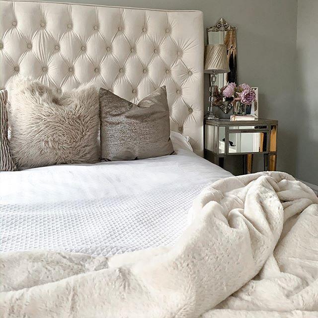 Aus Weissen Kunstleder Kopfteil In 2020 Einrichtungsideen Schlafzimmer Schlafzimmer Inspirationen Shabby Chic Schlafzimmer