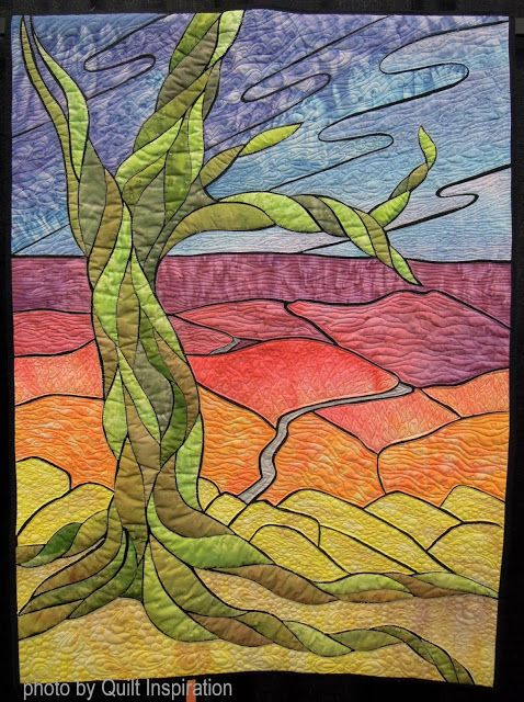 Windy Point by Krista Zeghers.  Quilt Arizona  2016. Photo by Quilt Inspiration.