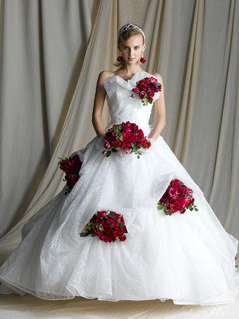#Yumi #Katsura #Robe #Mariage #Japon #Mode #Magazine Sources de l'image : http://www.yumikatsura.com/index.html.Fr http://www.mariages.net/robe-de-mariee/yumi-katsura-paris--e110328