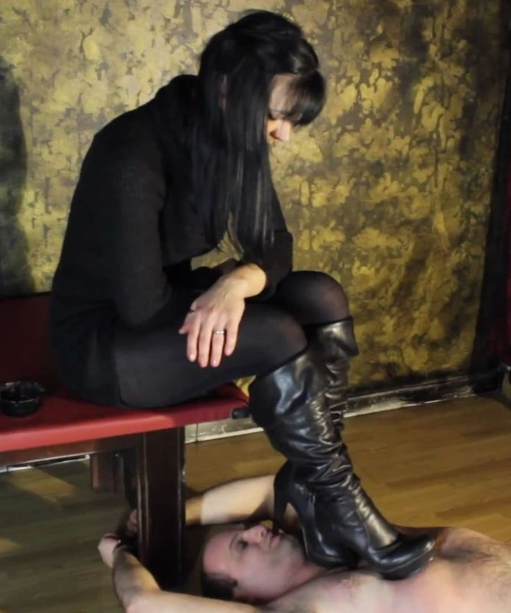 Pin by T. F. Heimbach on BOOTS to Worship | Shoe worship
