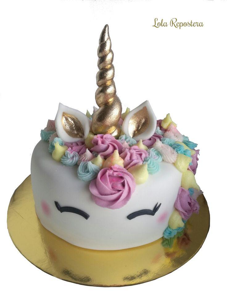 #rkt #fiestasmedellin #mesadedulces #colombia #reposteriapersonalizada #sugarcraft #hadmade #chocolate #unicorncake #tortaunicornio