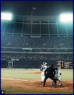 Hank Aaron hits No. 715 April 8, 1974: Memorizing Moments Figures, Favorite Players, 715 Hrking, 715 April, Sports Moments, Baseball Tak,  Baseball Players, Memorable Moments Figures, Hobbies Paste Time