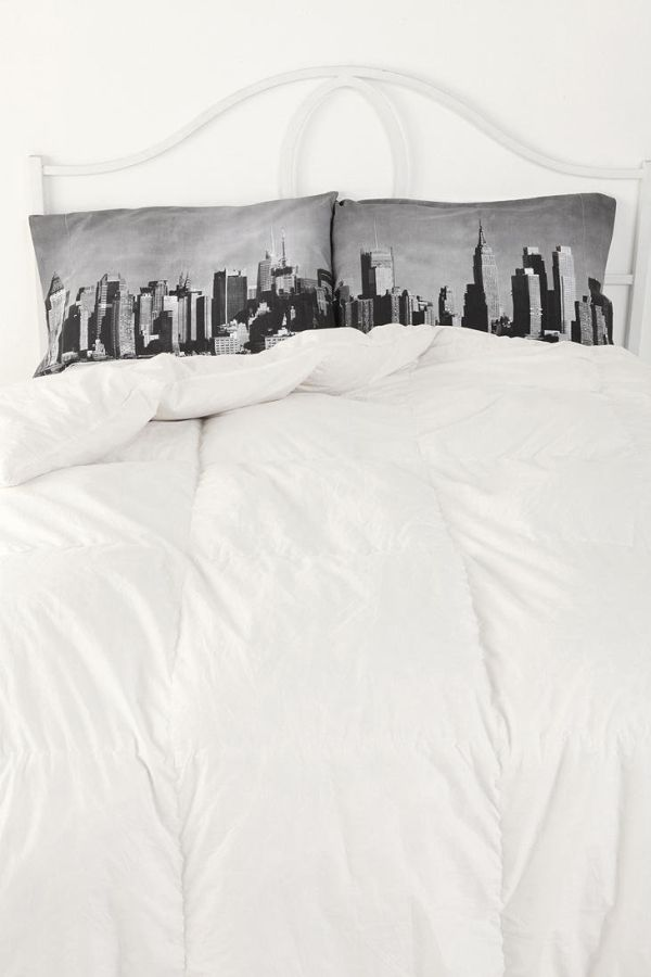 NY on We Heart It - http://weheartit.com/entry/48845466/via/anitanemeth   Hearted from: http://indulgy.com/post/1gj6wD1rP1/nyc-skyline-pillo...