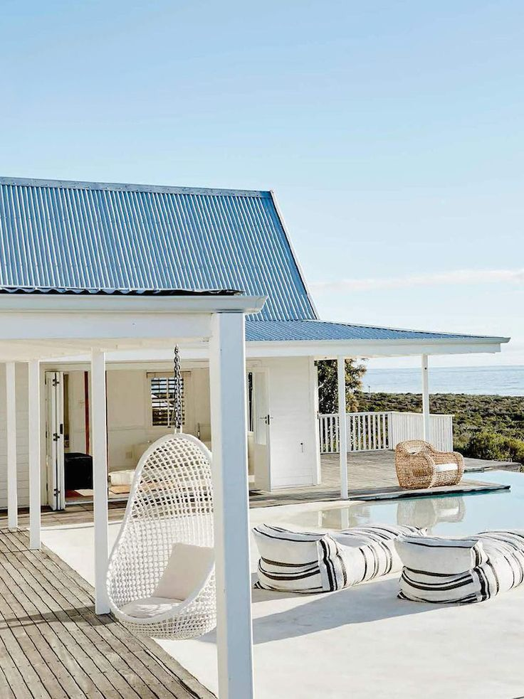 White Beach House In Grotto Bay, South Africa