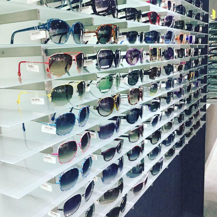 ¿Aún no has visitado nuestra zona #outlet? Tenemos una gran variedad de #gafasdesol a precios #irresistibles   #descuento #rinconoutlet #glasses #sunglasses #sun #saldo #moda #grandesmarcas #PuenteTocinos #Murcia